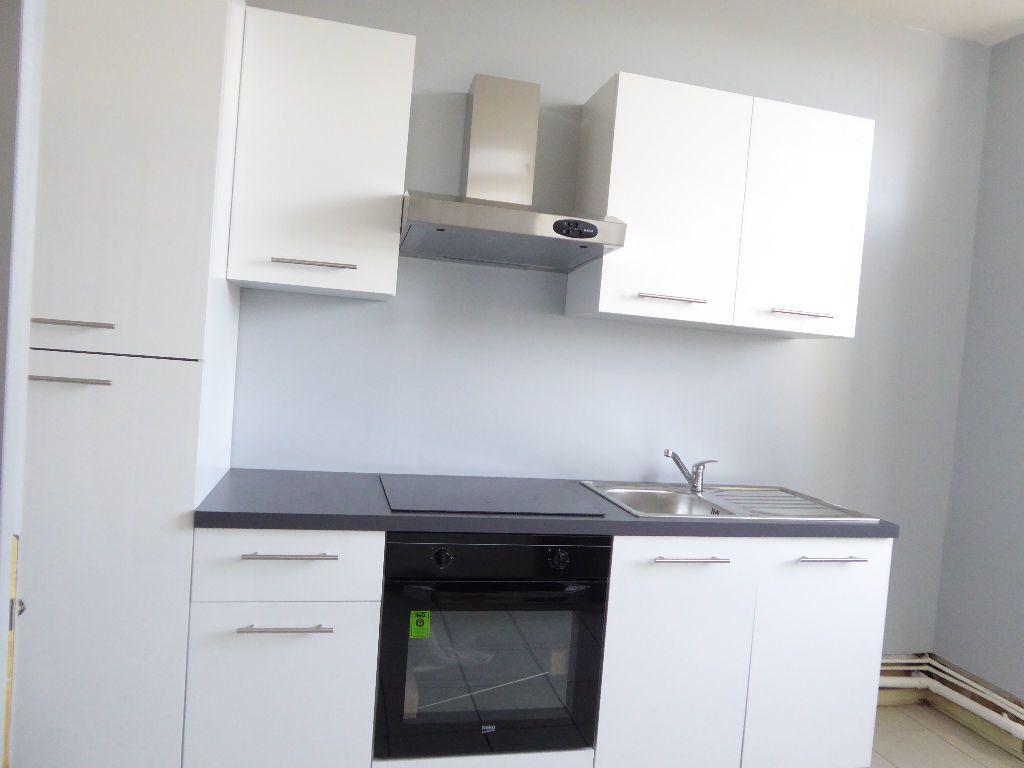 Appartement à louer 4 94.53m2 à Limoges vignette-3