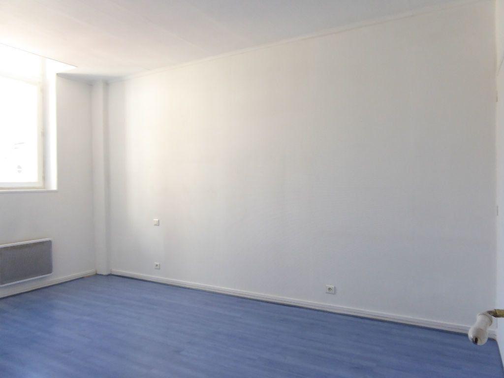 Appartement à louer 4 94.53m2 à Limoges vignette-4
