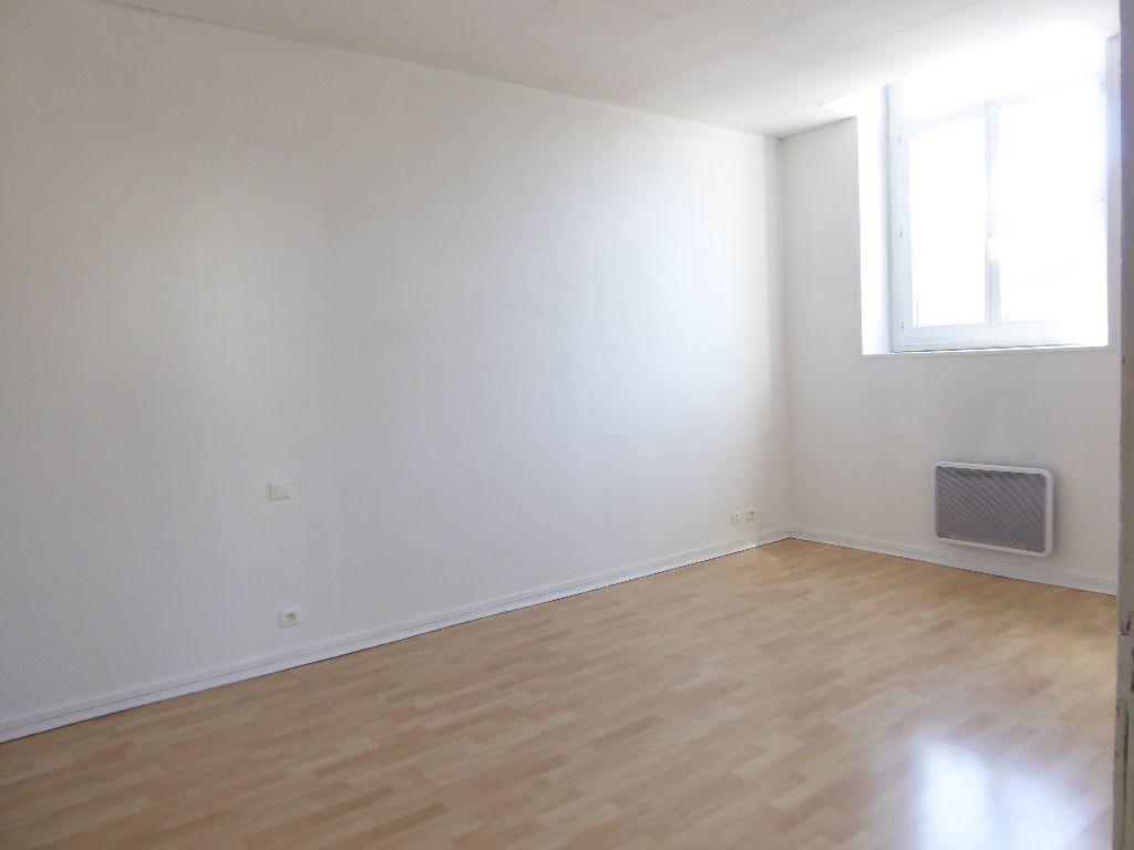 Appartement à louer 4 94.53m2 à Limoges vignette-6