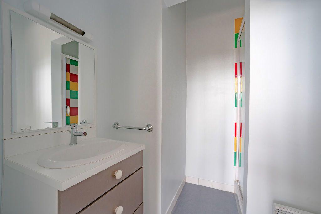 Appartement à louer 1 24.53m2 à Limoges vignette-4