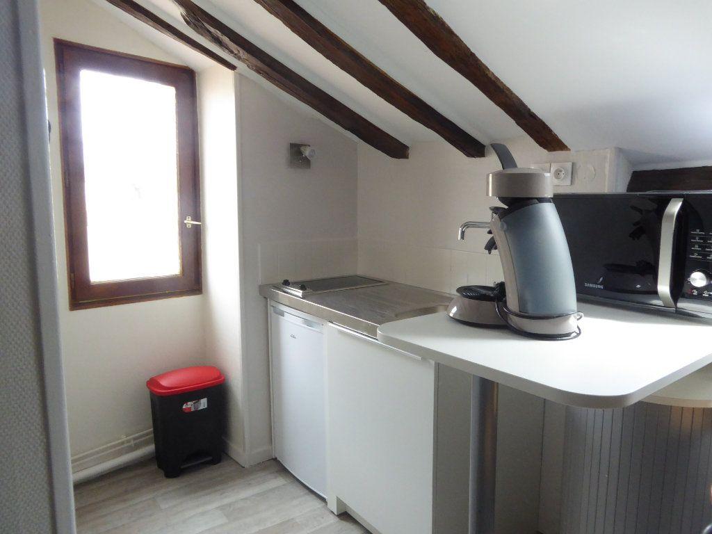 Appartement à louer 1 14.91m2 à Limoges vignette-2
