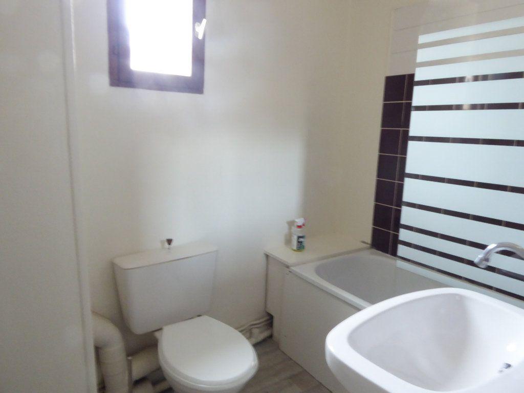 Appartement à louer 1 14.91m2 à Limoges vignette-3