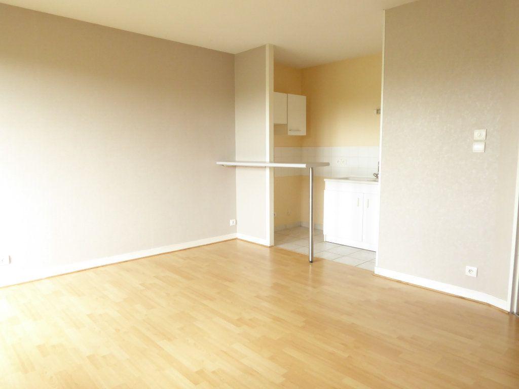 Appartement à louer 2 38.23m2 à Limoges vignette-1