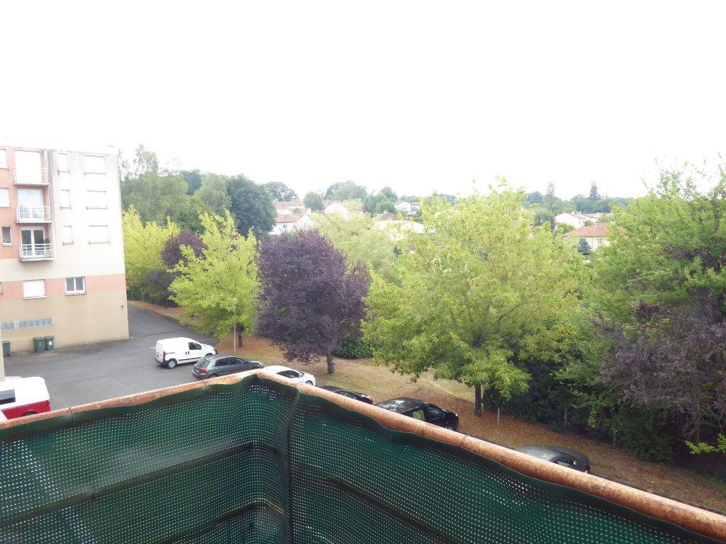 Appartement à louer 2 38.23m2 à Limoges vignette-2