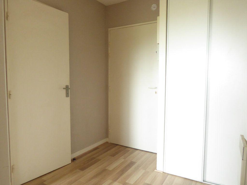 Appartement à louer 2 38.23m2 à Limoges vignette-3