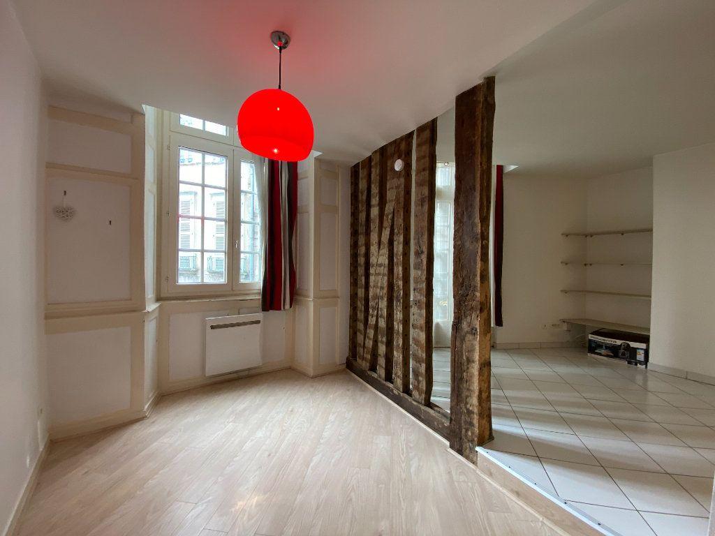 Appartement à louer 2 45.58m2 à Limoges vignette-1