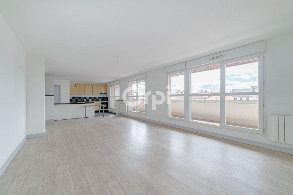 Appartement à louer 4 129.3m2 à Limoges vignette-4