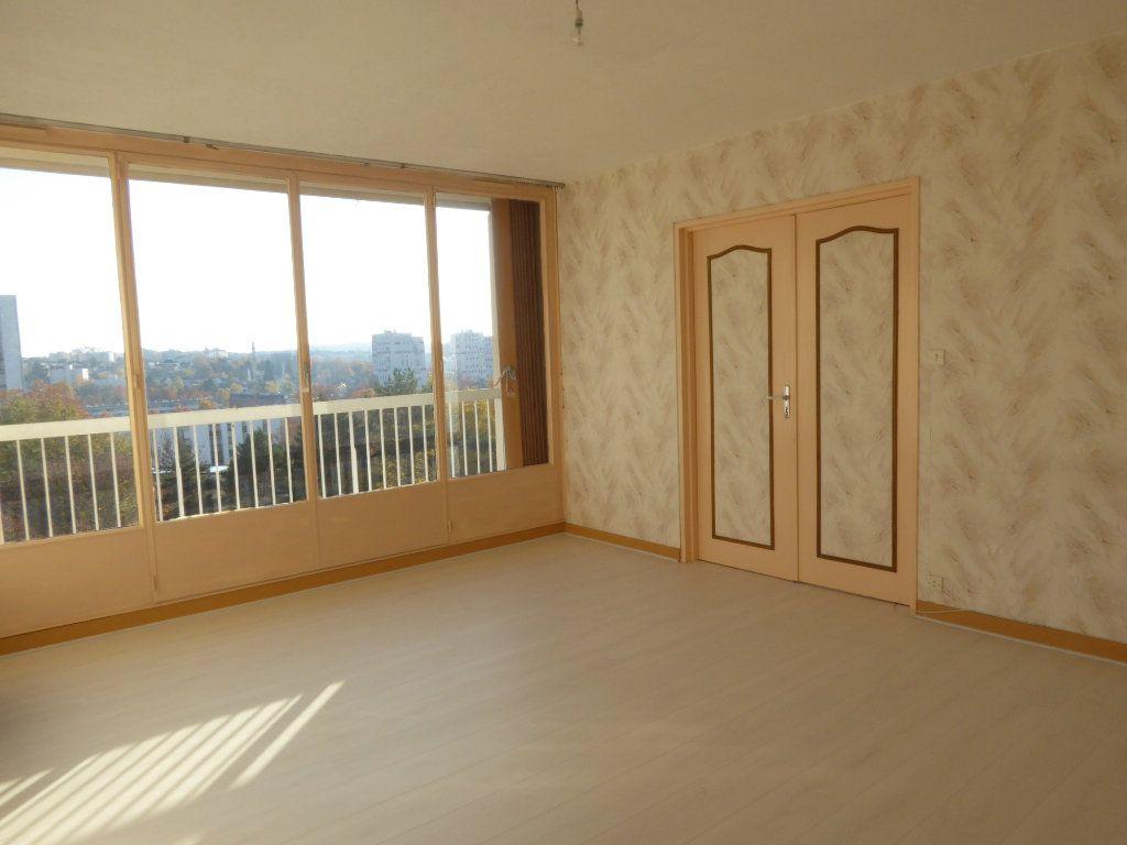 Appartement à louer 3 66.52m2 à Limoges vignette-1