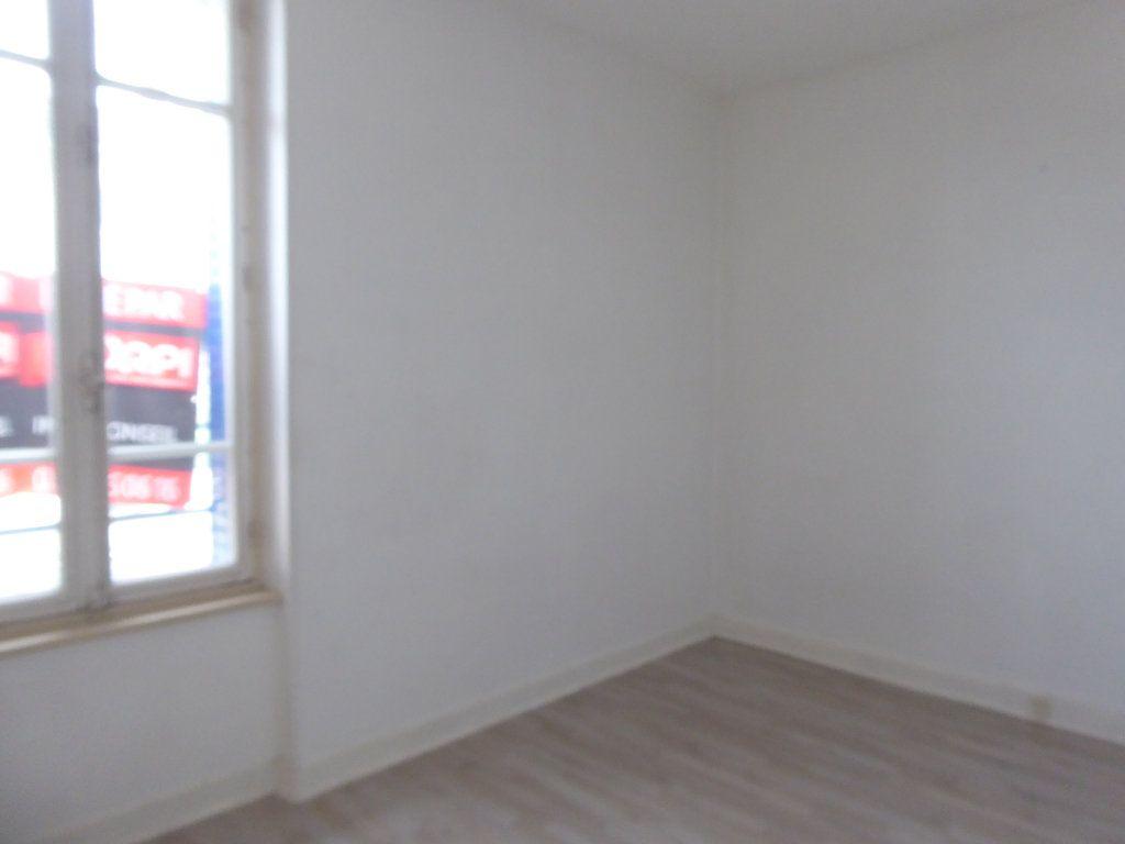 Maison à louer 3 75m2 à Limoges vignette-3