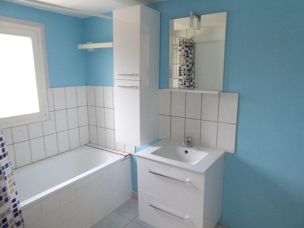 Maison à louer 3 75m2 à Limoges vignette-4
