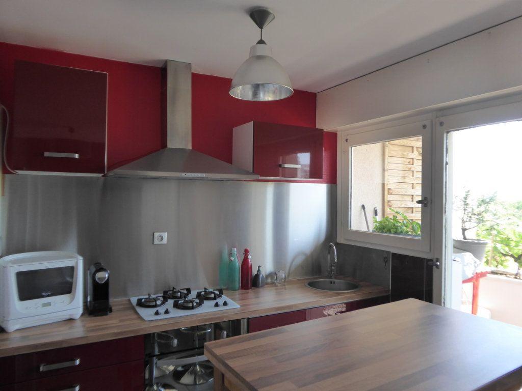 Appartement à louer 4 72.88m2 à Limoges vignette-1