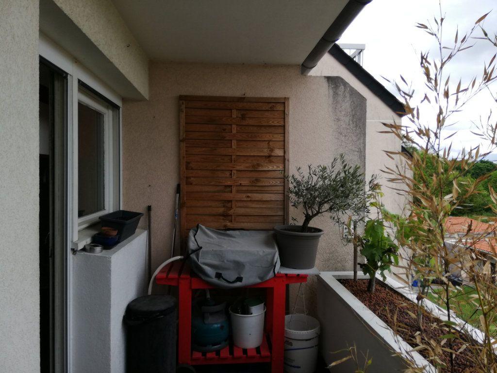Appartement à louer 4 72.88m2 à Limoges vignette-3