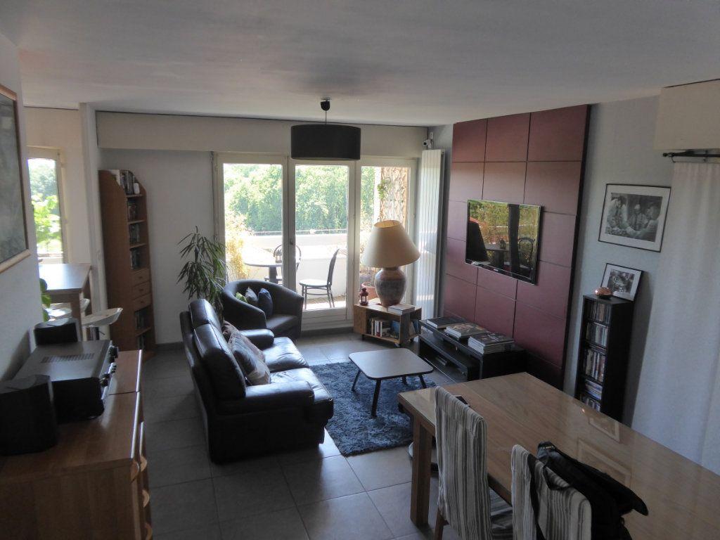 Appartement à louer 4 72.88m2 à Limoges vignette-9