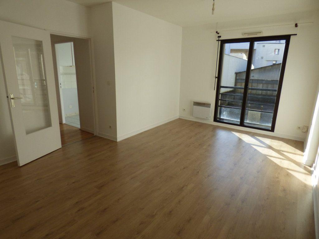 Appartement à louer 2 48.57m2 à Limoges vignette-1