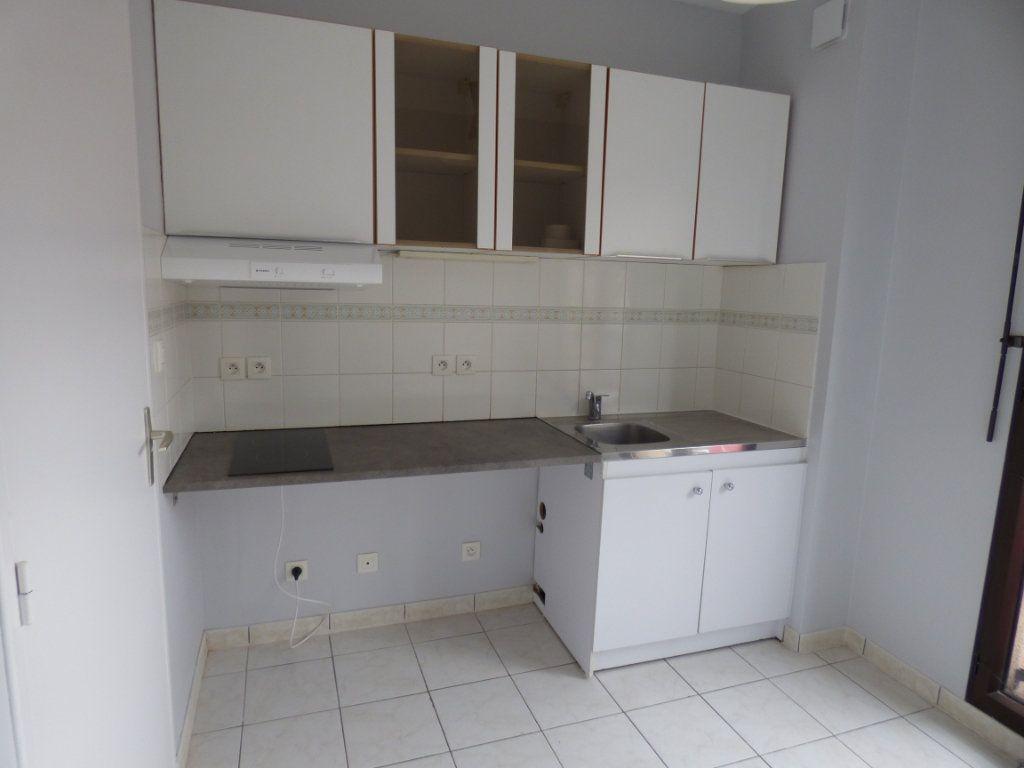 Appartement à louer 2 48.57m2 à Limoges vignette-4