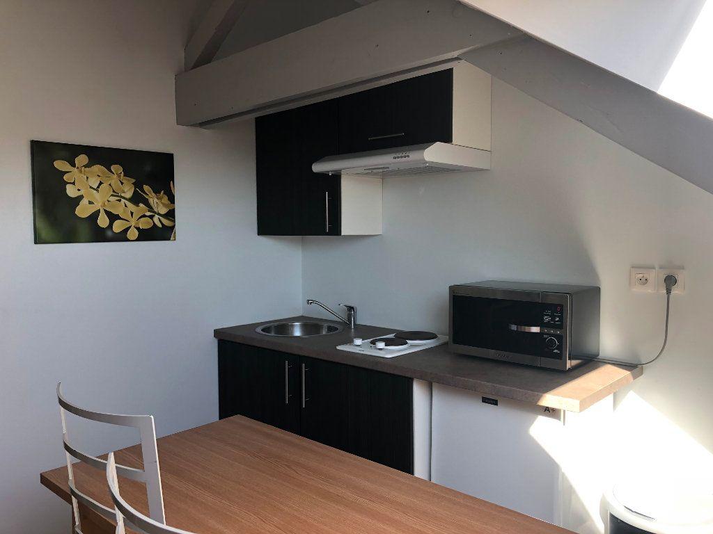 Appartement à louer 1 12.27m2 à Limoges vignette-1