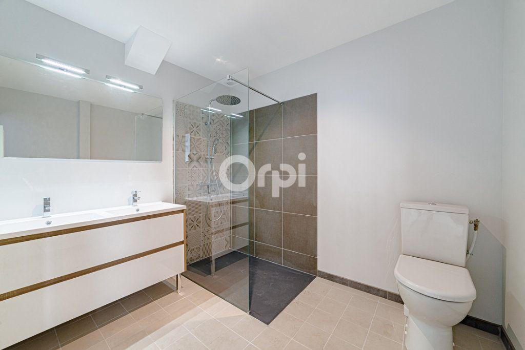 Appartement à vendre 5 114m2 à Limoges vignette-9