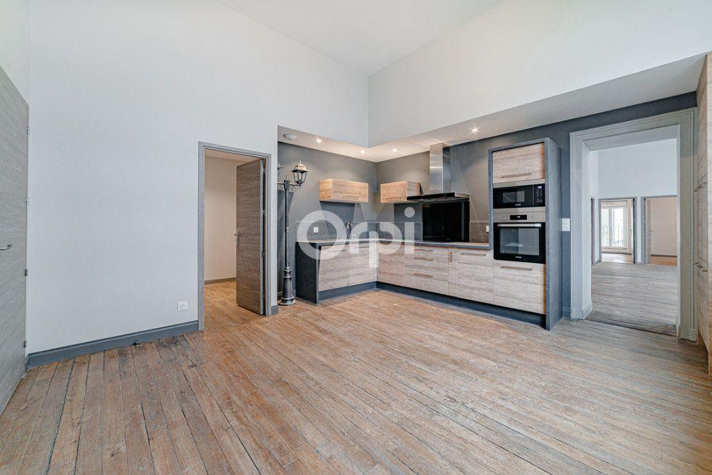 Appartement à vendre 6 124m2 à Limoges vignette-3