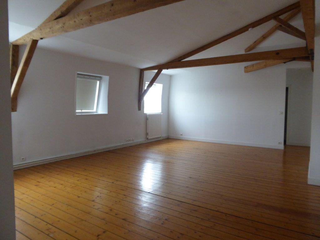 Appartement à louer 4 114.78m2 à Limoges vignette-2