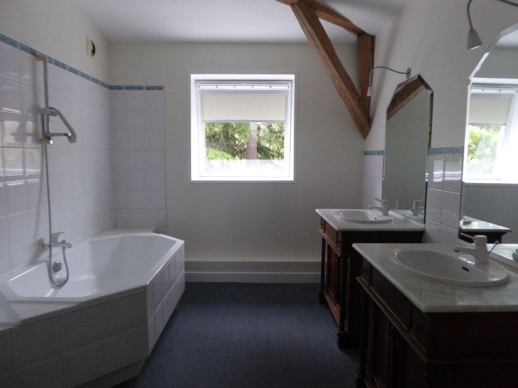 Appartement à louer 4 114.78m2 à Limoges vignette-3