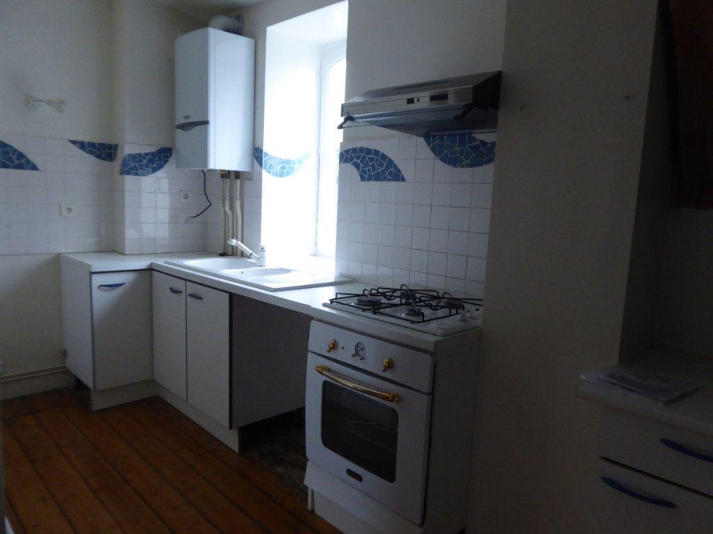 Appartement à louer 4 114.78m2 à Limoges vignette-4