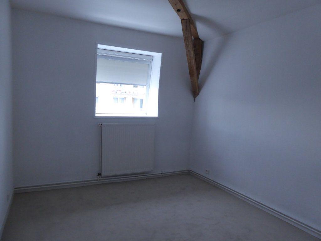 Appartement à louer 4 114.78m2 à Limoges vignette-7