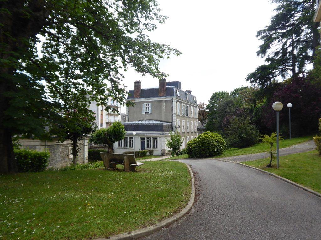 Appartement à louer 4 114.78m2 à Limoges vignette-9