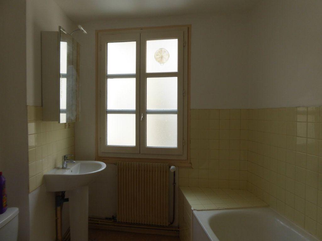 Appartement à louer 1 36m2 à Limoges vignette-3