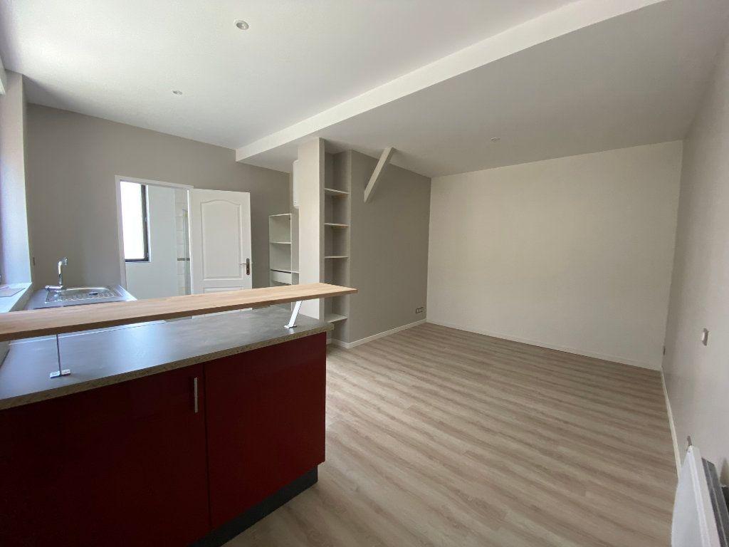 Appartement à louer 1 24.56m2 à Limoges vignette-2