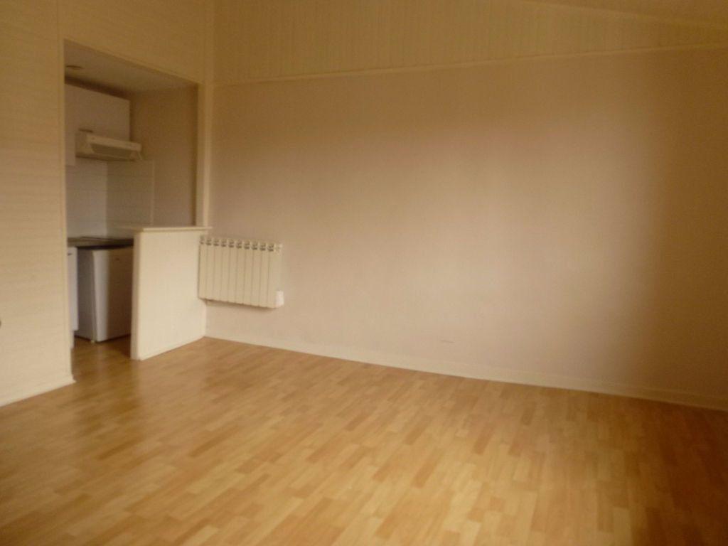 Appartement à louer 1 25.13m2 à Limoges vignette-1
