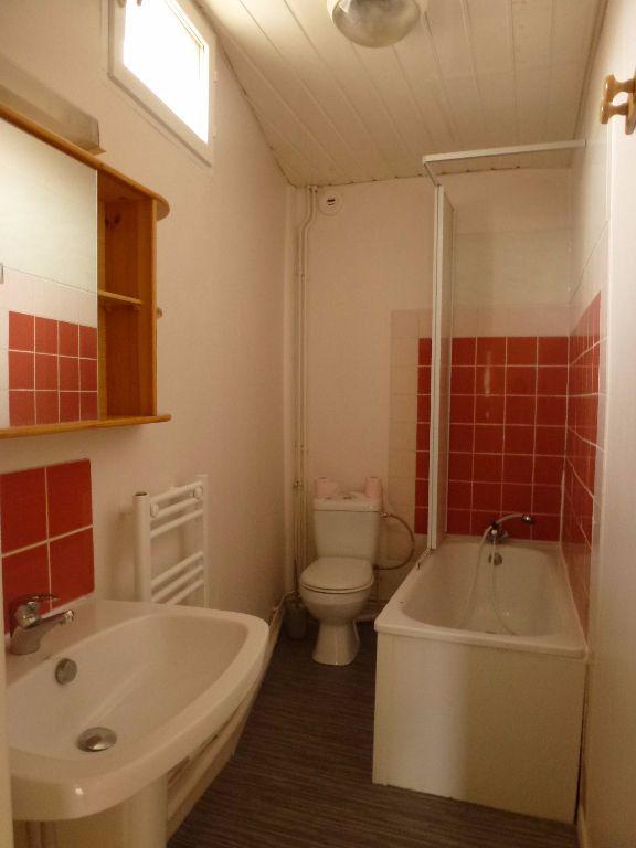 Appartement à louer 1 25.13m2 à Limoges vignette-2