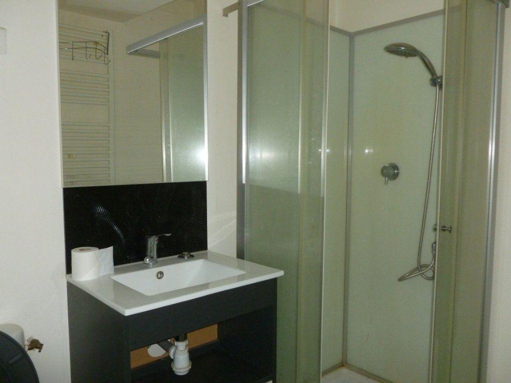 Appartement à louer 2 32m2 à Reims vignette-5