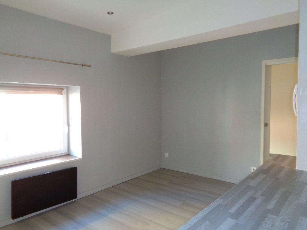 Appartement à louer 2 32m2 à Reims vignette-7