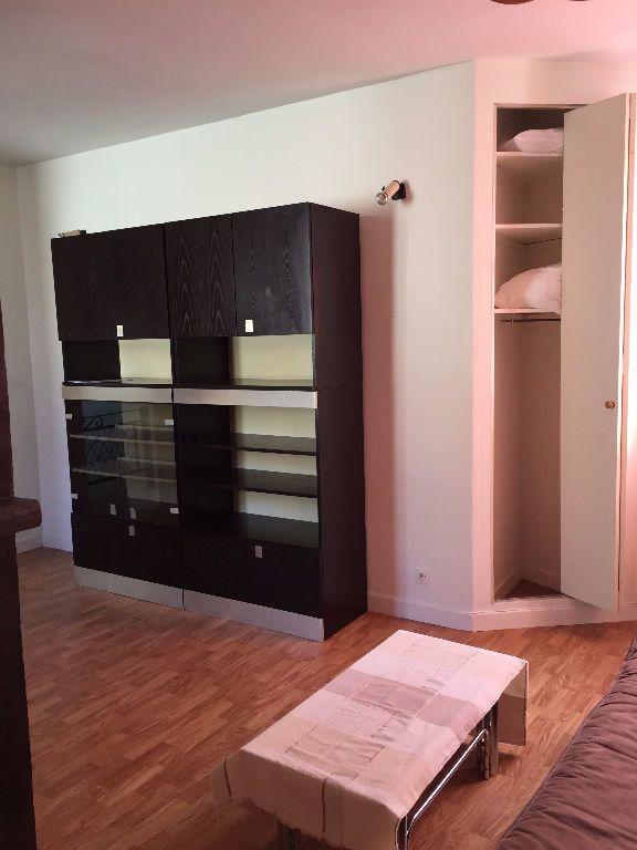 Appartement à louer 1 28.38m2 à Reims vignette-8