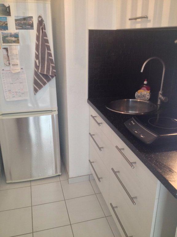 Appartement à louer 1 28.02m2 à Reims vignette-5