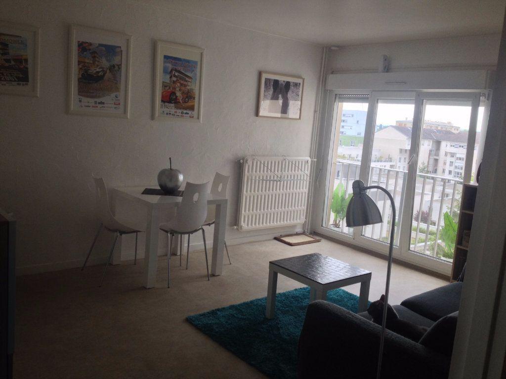 Appartement à louer 1 28.02m2 à Reims vignette-6