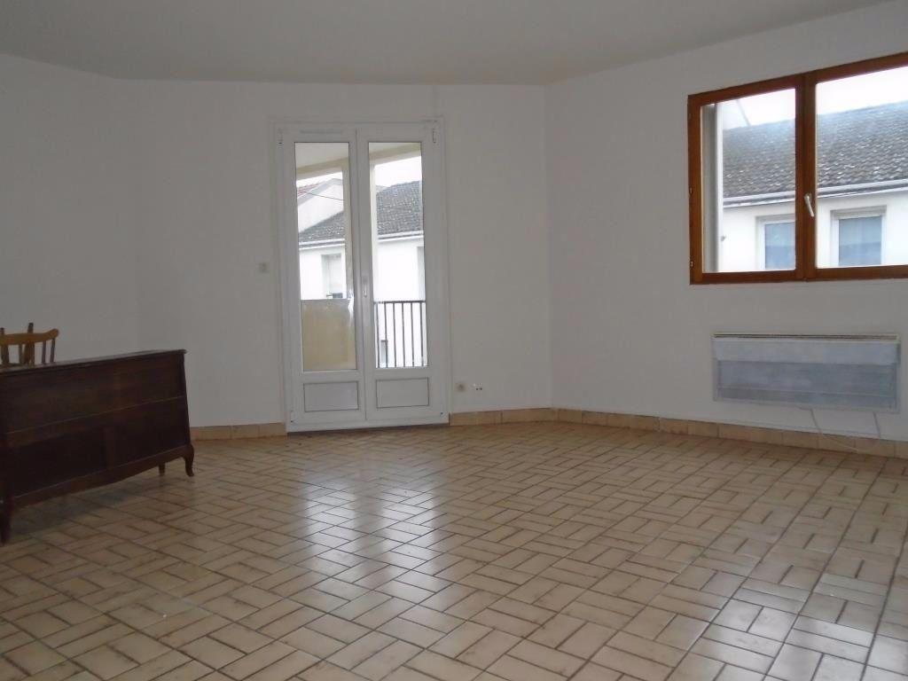 Appartement à louer 2 48.87m2 à Reims vignette-2