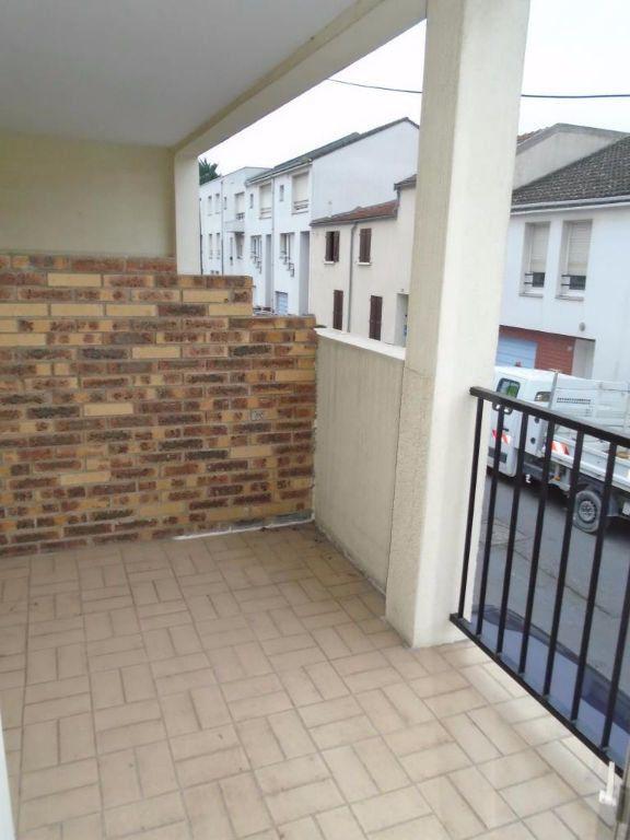 Appartement à louer 2 48.87m2 à Reims vignette-3