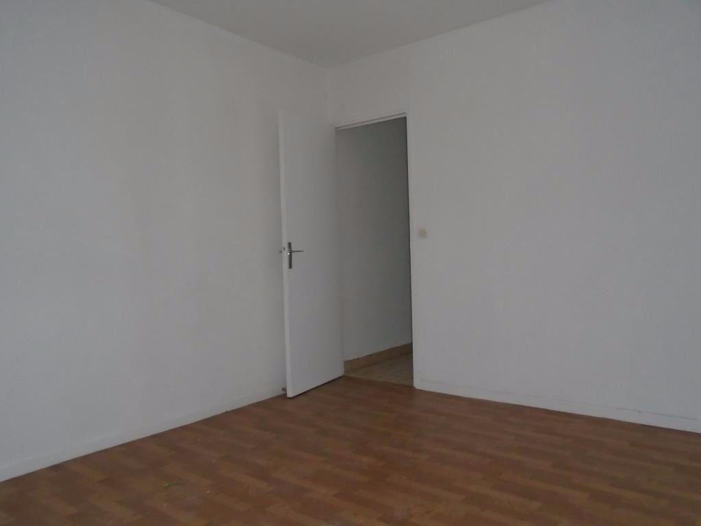 Appartement à louer 2 48.87m2 à Reims vignette-6