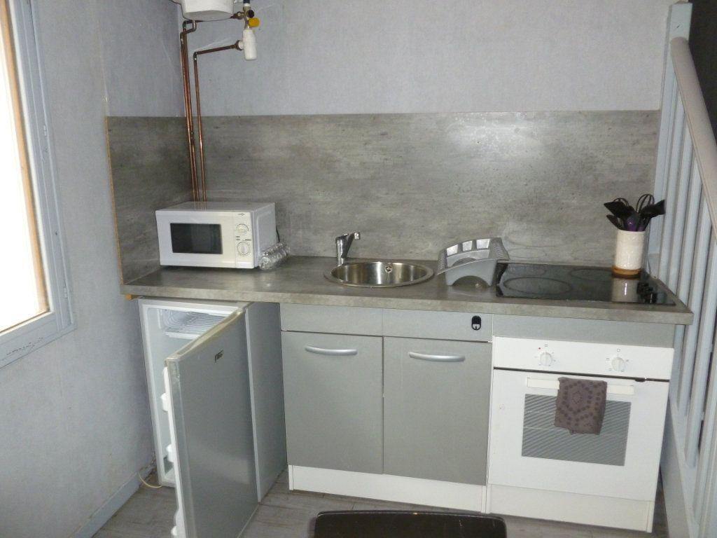 Appartement à louer 1 29m2 à Reims vignette-5