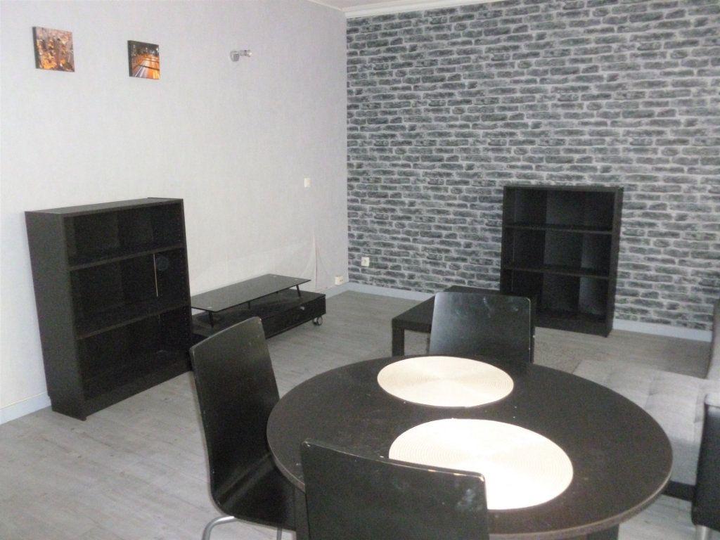 Appartement à louer 1 29m2 à Reims vignette-6
