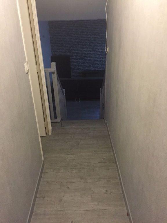 Appartement à louer 1 29m2 à Reims vignette-11