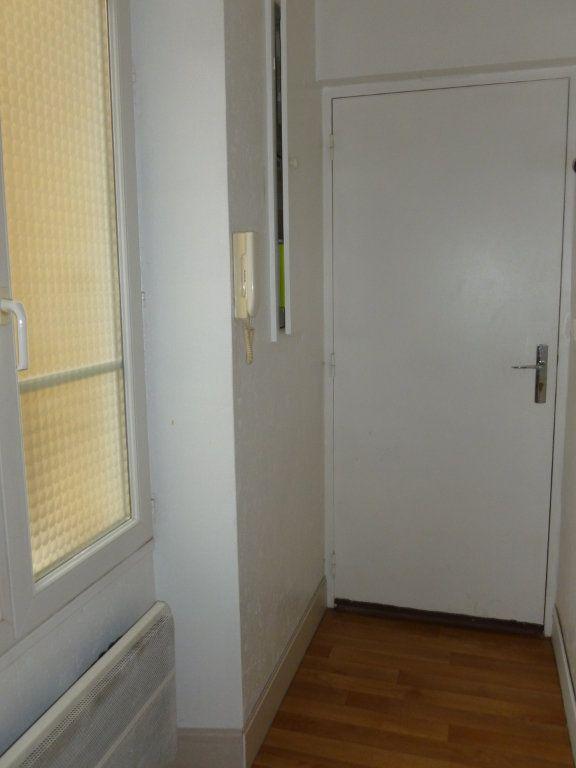 Appartement à louer 1 29m2 à Reims vignette-15