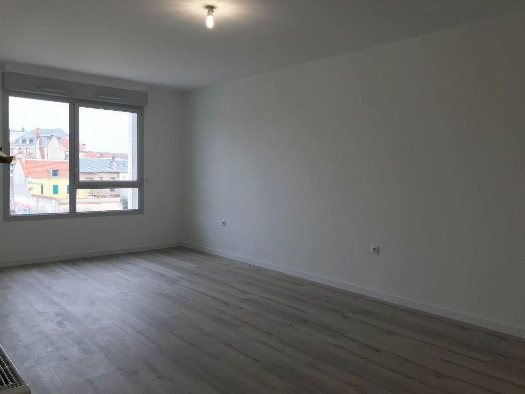 Appartement à louer 1 36.8m2 à Reims vignette-4