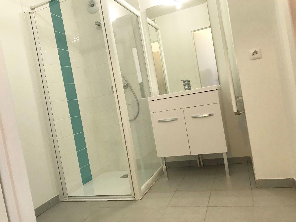 Appartement à louer 1 36.8m2 à Reims vignette-8