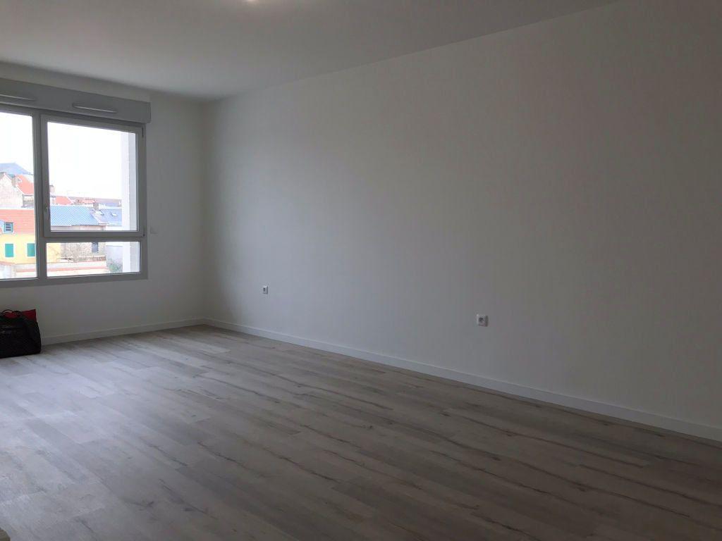 Appartement à louer 1 36.8m2 à Reims vignette-10