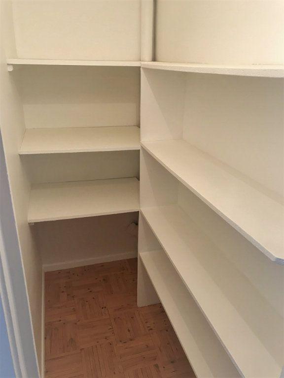 Appartement à louer 4 95.9m2 à Reims vignette-4
