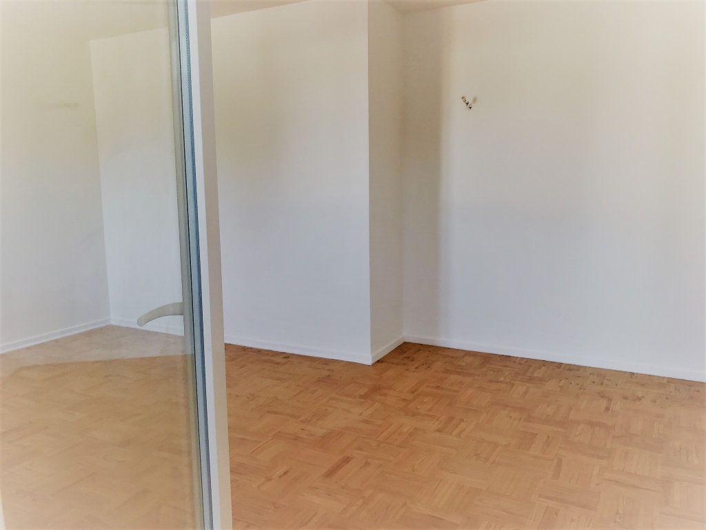 Appartement à louer 4 95.9m2 à Reims vignette-6