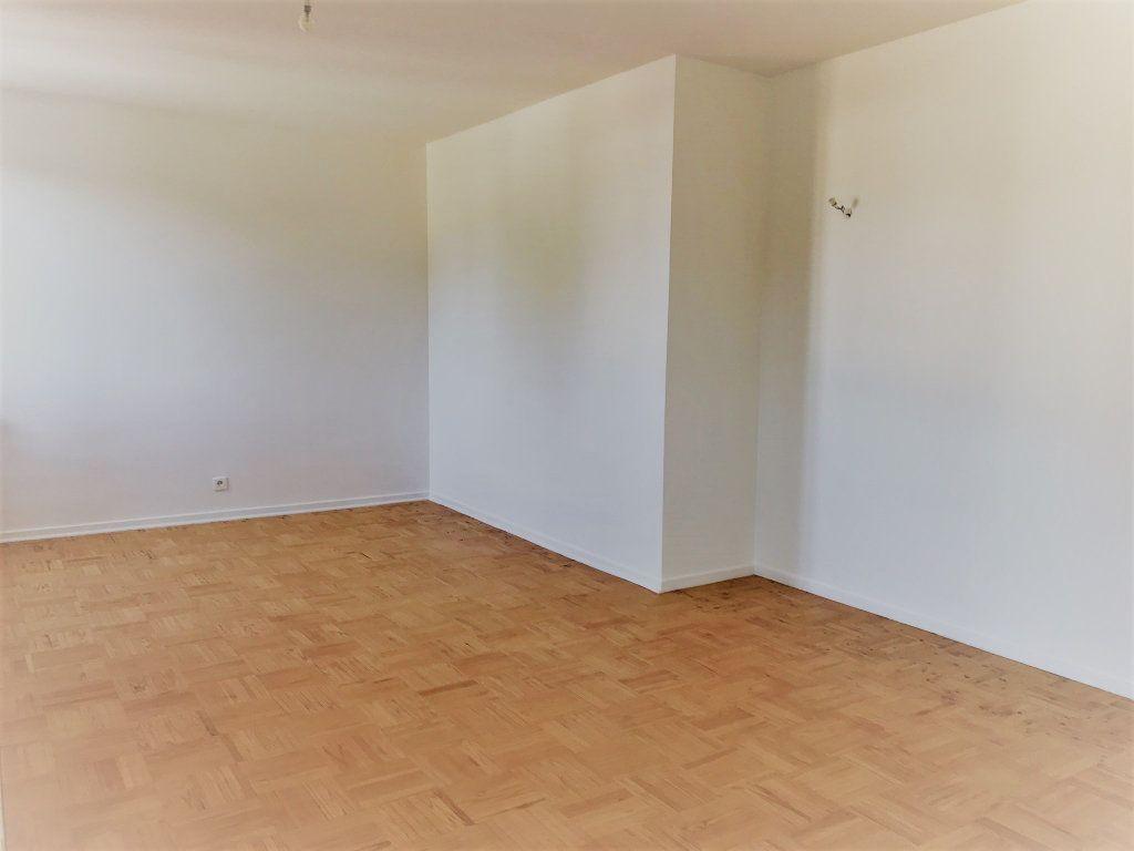 Appartement à louer 4 95.9m2 à Reims vignette-11