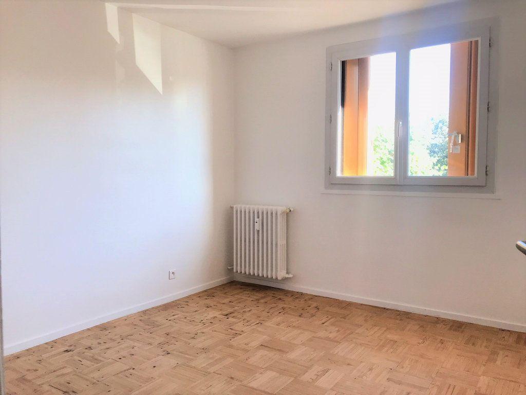 Appartement à louer 4 95.9m2 à Reims vignette-12